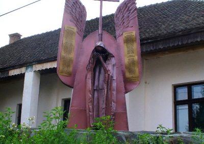 Csatószeg hősi emlékmű 2007.08.05.küldő-Era