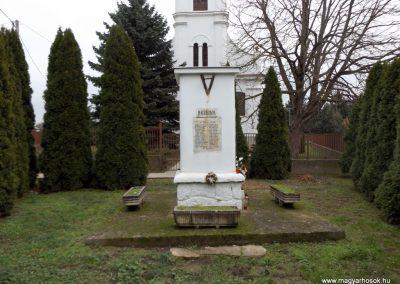 Csengerújfalu világháborús emlékmű 2014.11.22. küldő-kalyhas (1)
