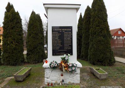 Csengerújfalu világháborús emlékmű 2014.11.22. küldő-kalyhas (3)
