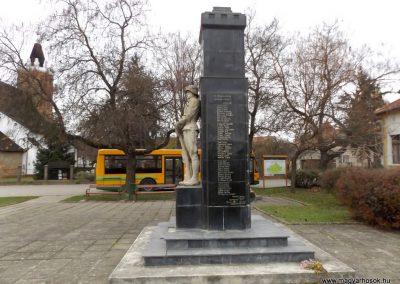 Csenger világháborús emlékmű 2014.11.22. küldő-kalyhas (10)