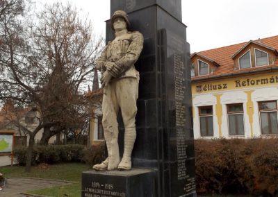 Csenger világháborús emlékmű 2014.11.22. küldő-kalyhas (14)