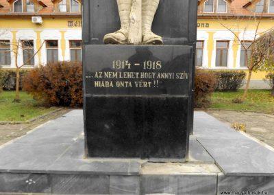 Csenger világháborús emlékmű 2014.11.22. küldő-kalyhas (4)