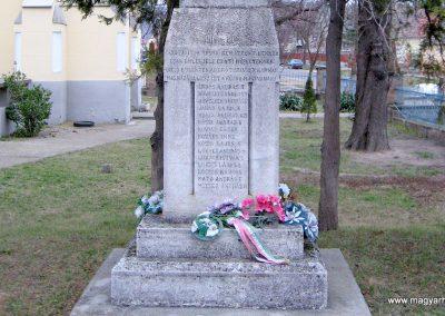 Cserépfalu I. vh emlékmű 2007.03.09. küldő-kalyhas (1)
