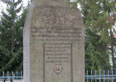 Cserépfalu I. vh emlékmű 2007.03.09. küldő-kalyhas (3)