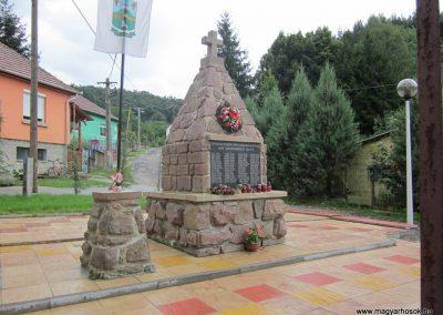 Cserépváralja világháborús emlékmű 2011.07.30. küldő-kalyhas (1)