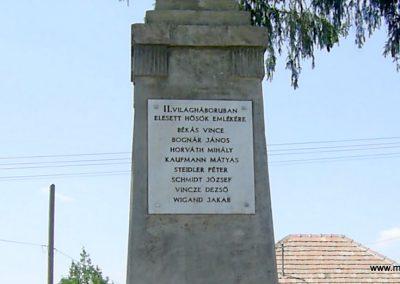 Cserdi világháborús emlékmű 2009.07.21.küldő-Horváth Zsolt (7)