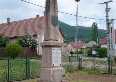 Cserkút világháborús emlékmű 2013.05.08. küldő-Sümec (1)