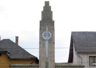 Csernely világháborús emlékmű 2008.02.18. küldő-Kályhás (4)