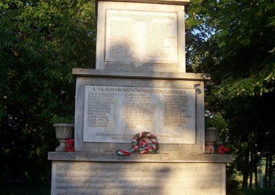 Cserszegtomaj világháborús emlékmű 2009.05.09. küldő-Karolina