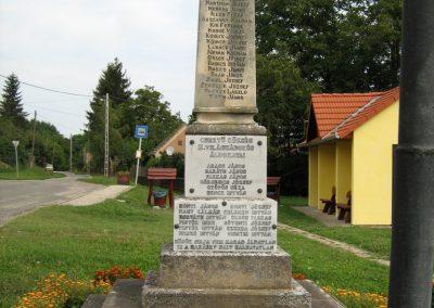 Csertő világháborús emlékmű 2010.08.21. küldő-Mistel