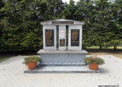 Csertalakos világháborús emlékmű 2016.08.13. küldő-kalyhas (1)