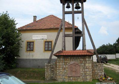 Csesznek világháborús emlékmű 2010.07.23. küldő-kalyhas