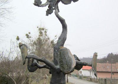 Csesztve világháborús emlékmű 2012.03.08. küldő-kalyhas (14)