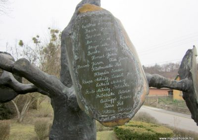 Csesztve világháborús emlékmű 2012.03.08. küldő-kalyhas (15)