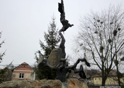 Csesztve világháborús emlékmű 2012.03.08. küldő-kalyhas (3)