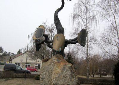 Csesztve világháborús emlékmű 2012.03.08. küldő-kalyhas (4)