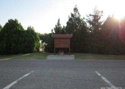 Csikéria I.vh emlékmű 2011.08.17. küldő-kalyhas