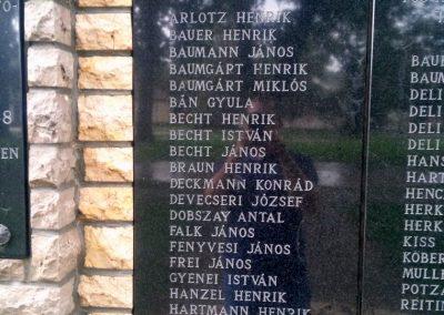 Csikóstöttös világháborús emlékmű 2014.09.11. küldő-KRYSz (2)
