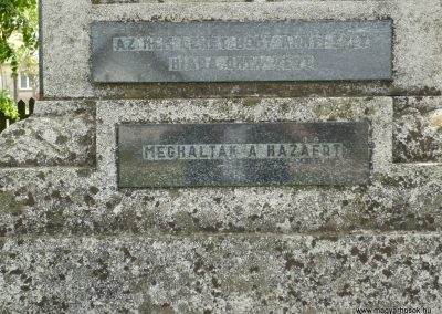 Csikvánd világháborús emlékmű 2009.05.15.küldő-Ágca (3)