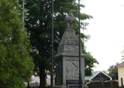 Csikvánd világháborús emlékmű 2009.05.15.küldő-Ágca (4)