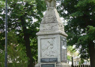 Csikvánd világháborús emlékmű 2009.05.15.küldő-Ágca (8)