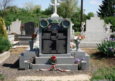 Csobád világháborús emlékmű 2011.05.17. küldő-megtorló