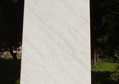 Csobaj világháborús emlékmű 2009.07.09.küldő-megtorló (2)
