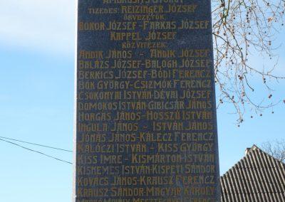 Csokonyavisonta--Erdőcsokonya-- világháborús emlékmű 2009.01.08.küldő-Sümec (1)