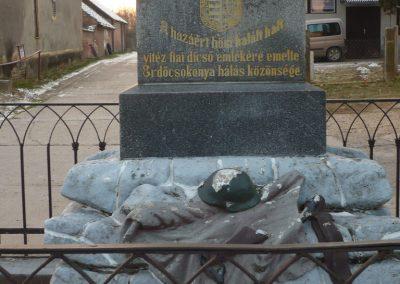 Csokonyavisonta--Erdőcsokonya-- világháborús emlékmű 2009.01.08.küldő-Sümec (3)