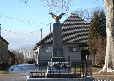 Csokonyavisonta--Erdőcsokonya-- világháborús emlékmű 2009.01.08.küldő-Sümec (4)