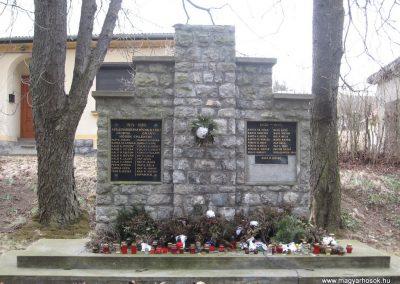 Csokvaomány világháborús emlékmű 2008.02.18.küldő-Kályhás (1)