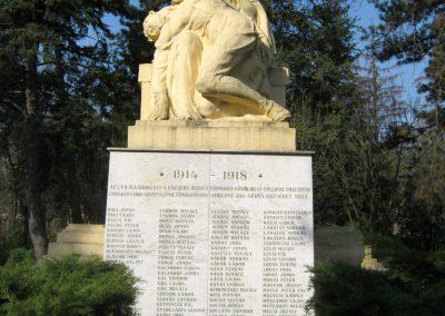 Csongrád I. világháborús emlékmű 2015.04.12. küldő-Emese (1)