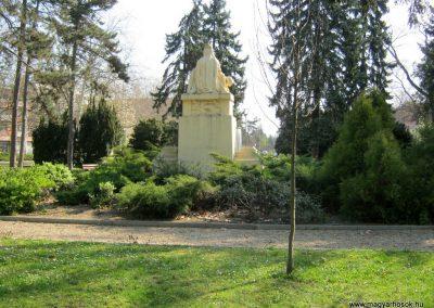 Csongrád I. világháborús emlékmű 2015.04.12. küldő-Emese (14)