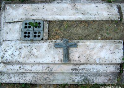 Csongrád II. világháborús emlékmű 2015.04.12. küldő-Emese (2)