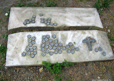 Csongrád II. világháborús emlékmű 2015.04.12. küldő-Emese (4)