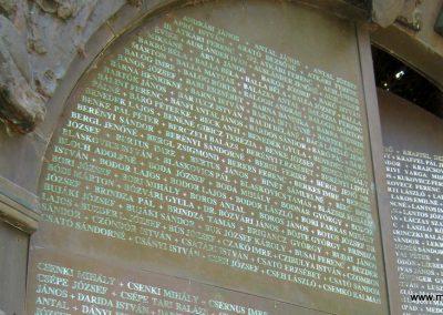 Csongrád II. világháborús emlékmű 2015.04.12. küldő-Emese (8)