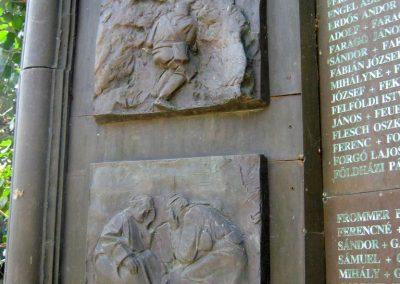 Csongrád II. világháborús emlékmű 2015.04.12. küldő-Emese (9)