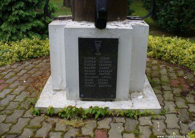 Csonkahegyhát világháborús emlékmű 2009.06.03.küldő-HunMi (2)