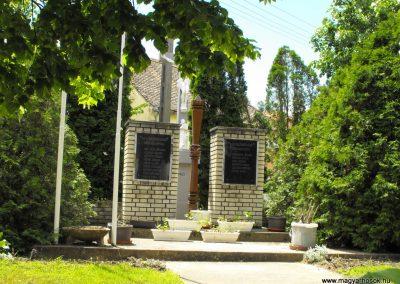 Csonkamindszent világháborús emlékmű 2010.05.09. küldő-ProBB (3)