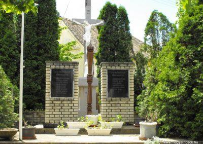 Csonkamindszent világháborús emlékmű 2010.05.09. küldő-ProBB