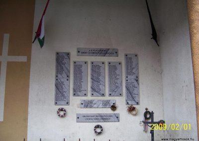 Csorna II.vh emlékhely 2009.02.01.küldő-Ancsa84 (2)