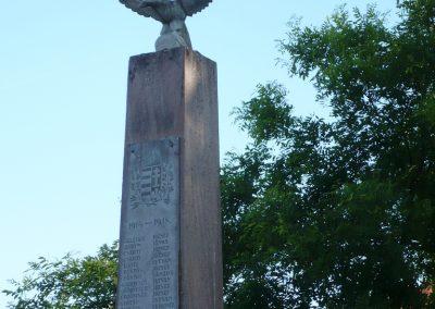 Csurgó-Alsok világháborús emlékmű 2009.05.12.küldő-Sümec (2)