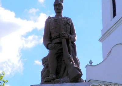 Csurgónagymarton világháborús emlékmű 2014.10.18. küldő-Huber Csabáné (3)