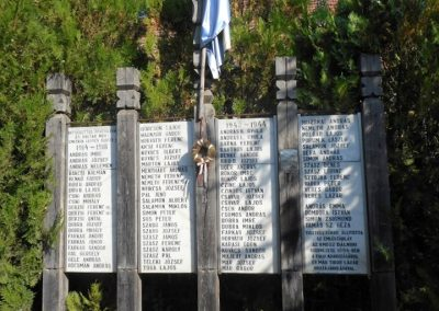 Dálnok világháborús emlékmű 2019.06.11. küldő-Fehér Mónika