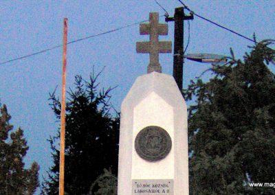 Dámóc II.vh emlékmű 2006.10.13. küldő-Ágca (1)