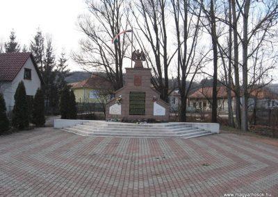 Dédestapolcsány világháborús emlékmű 2008.02.18.küldő-Kályhás