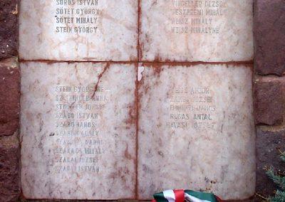 Dég II.vh emlékmű 2010.05.03. küldő-Horváth Zsolt (10)