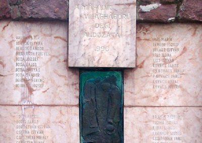 Dég II.vh emlékmű 2010.05.03. küldő-Horváth Zsolt (5)
