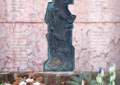 Dég II.vh emlékmű 2010.05.03. küldő-Horváth Zsolt (6)
