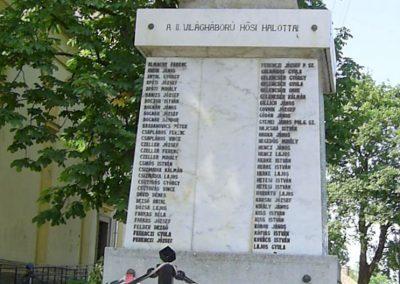 Döbrököz világháborús emlékmű 2011.06.13. küldő-Bagoly András (6)